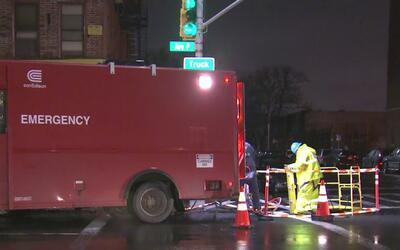 Mal tiempo deja sin luz a unos 4,000 clientes en Brooklyn, Queens y Stat...