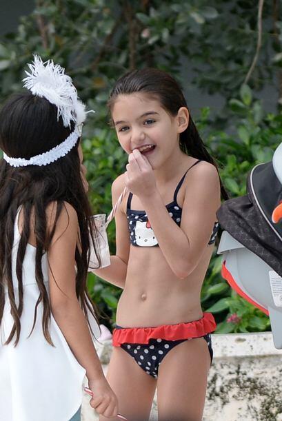 La famosa de 35 años lució su esbelta figura en un bikini...