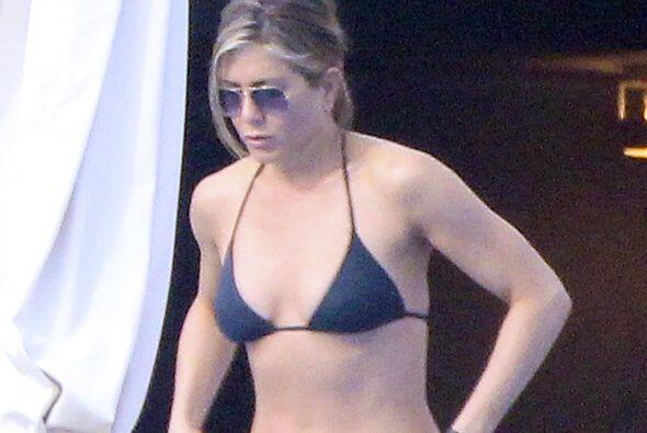 Jennifer Aniston tiene la misma edad y también presume un cuerpo...
