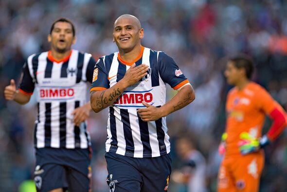 Humberto Suazo: No lo podemos negar, no sólo Rayados extrañaba a su símb...