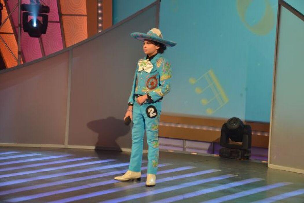 Después llegó Albertito González, quien cantó 'La Mugrosita'.