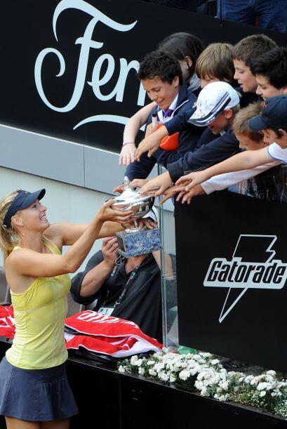 Así, Sharapova logró su primer título del año, desde mayo de 2010.
