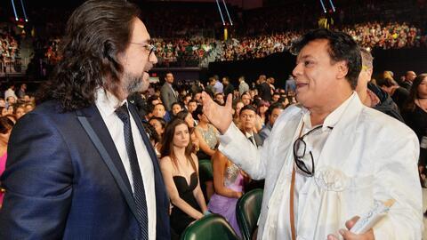 Cientos de artistas se despiden de 'El Divo de Juárez' en las redes