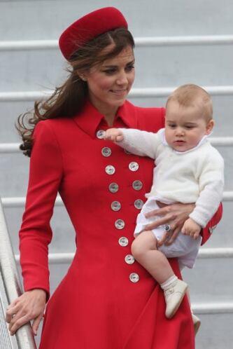 Desde el día en que pisaron extranjero, Kate, William y George, se mostr...