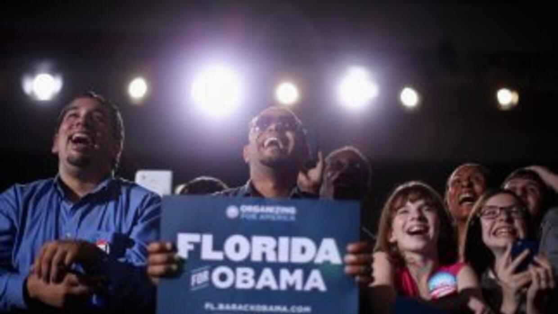 Un nuevo sondeo reveló que el Presidente Obama mantiene una ventaja sobr...