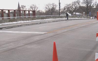 Departamento de Transporte de Illinois anuncia que puente de la Calle Ta...
