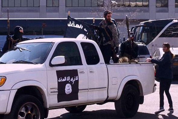 """Antes de partir con el grupo yihadista, su padre le pregunta, """"¿Segura q..."""