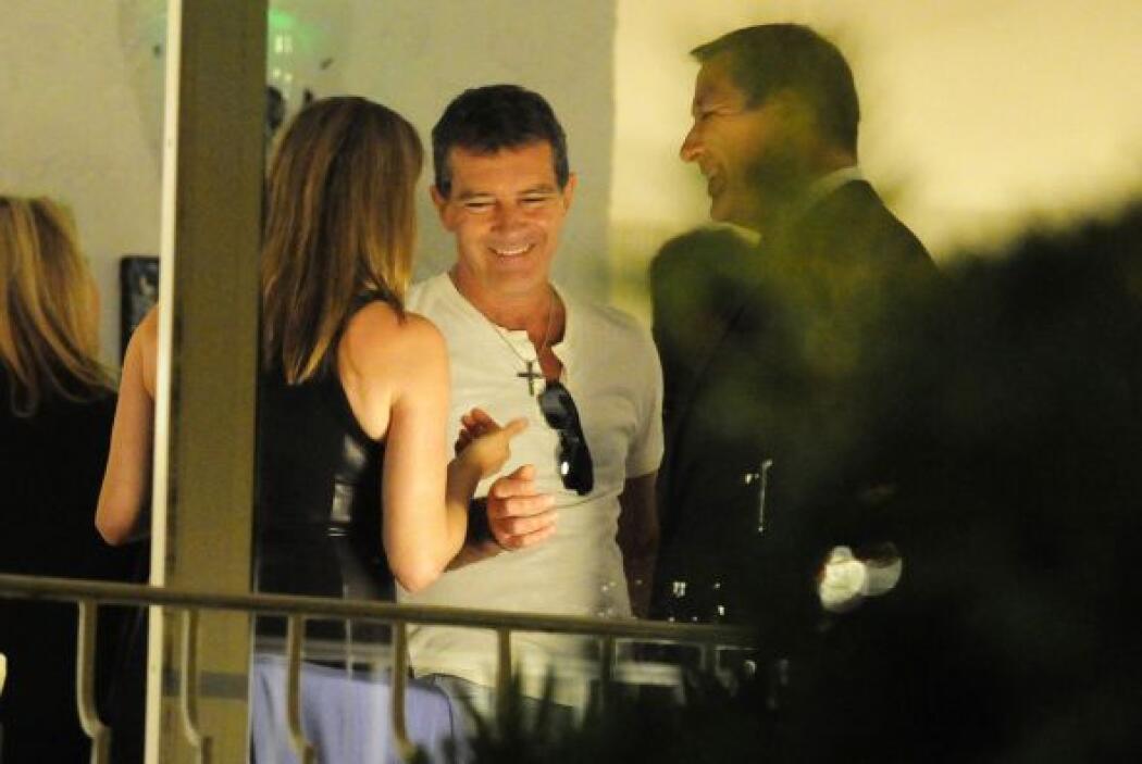 No cabe duda que hubo fuego y química entre la pareja.Mira aquí los vide...