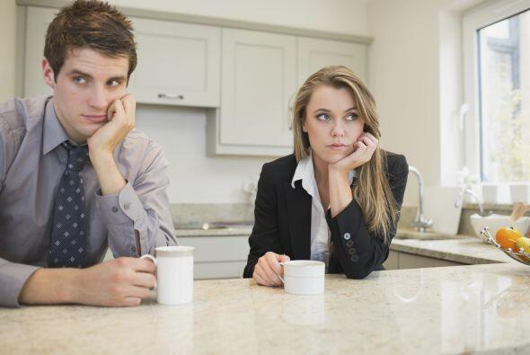 Pasar un día sin tocarse: Una pareja que no es saludable puede pa...