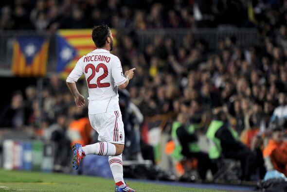 Silencio en el Camp Nou, sólo festejaron los pocos aficionados italianos...