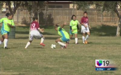 Campamento de fútbol con el objetivo de concientizar sobre la fibrosis q...