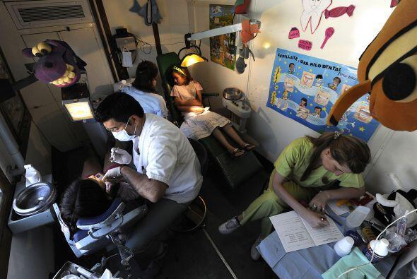 El equipo de salud está integrado por dos pediatras, un generalista, tre...