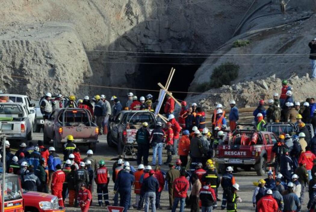 El presidente Piñera acudió a la mina de San José para presenciar el res...