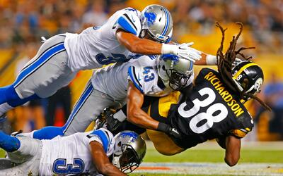 LIONS STEELERS