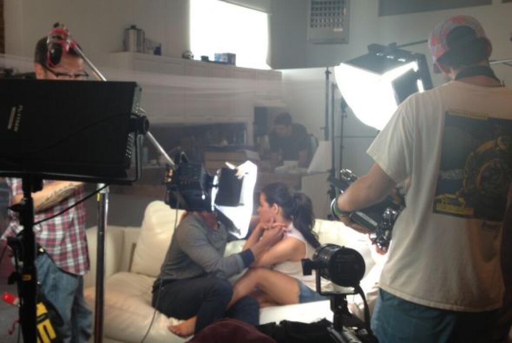 Acompañamos a la cantante Maite Perroni durante la filmación de su Nuevo...