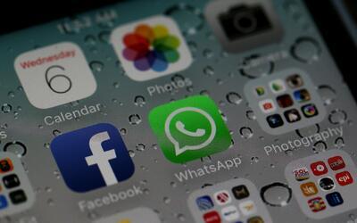 Siri ahora puede leer en voz alta tus mensajes de Whatsapp