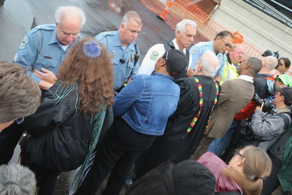 """""""Los arrestos se llevaron a cabo después que los manifestantes comenzaro..."""