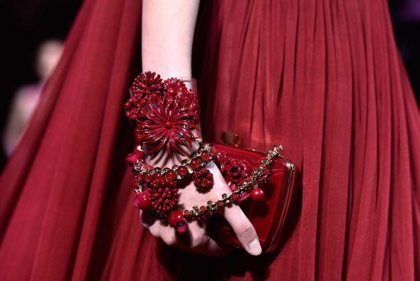 No olvides los complementos de tu elegante vestido, como los básicos 'cl...
