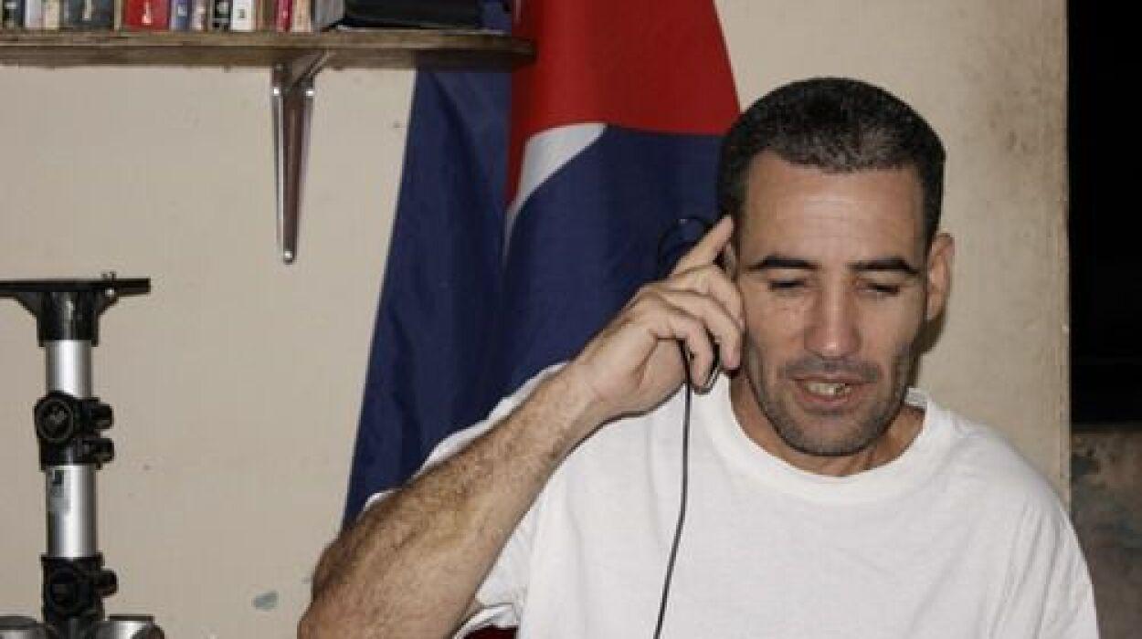 El periodista independiente Calixto Ramón Martínez estuvo preso en una c...
