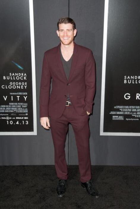 ¿Te gusta el color del traje de Bryan Greenberg?