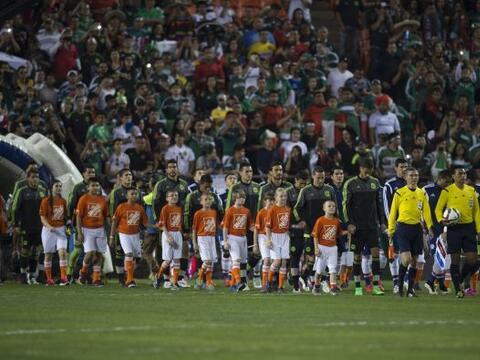 Los representativos de México y Paraguay se enfrentaron en el Arr...