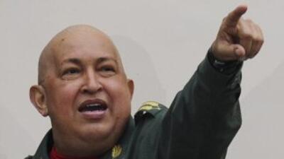 Hugo Chávez anunció un convenio con la empresa china Chery para producir...