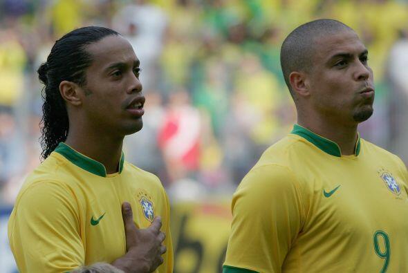 Cuando era muy pequeño Ronaldinho le pidió una foto al astro Luiz Nazari...