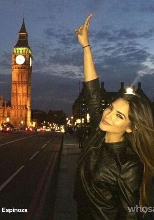 Una foto más posando frente al Big Ben. Sin duda se la está pasando ibnc...