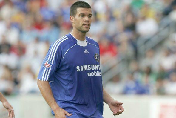 El alemán Michael Ballack jugó la edición del 2006 con el Chelsea.