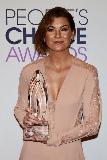 Su protagonista, Ellen Pompeo, otra vez ganó como Actriz Favorita en Dra...
