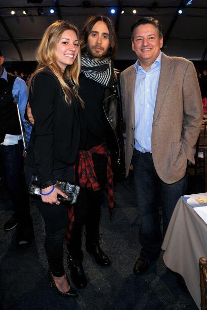 Jared Leto con Sarah y Ted Sarandos. Mira aquí los videos m&aacut...