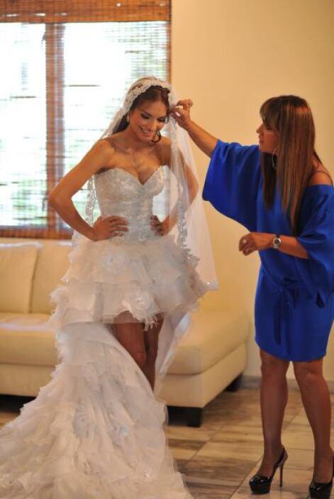 Rosita Hurtado, muy contenta, acompañó a Alejandra a cada minuto.