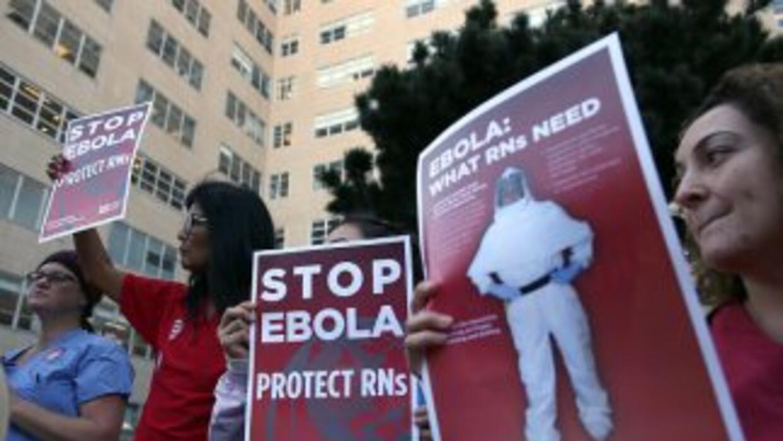 Unas 100.000 enfermeras en el país, 50.000 de ellas en California, podrí...