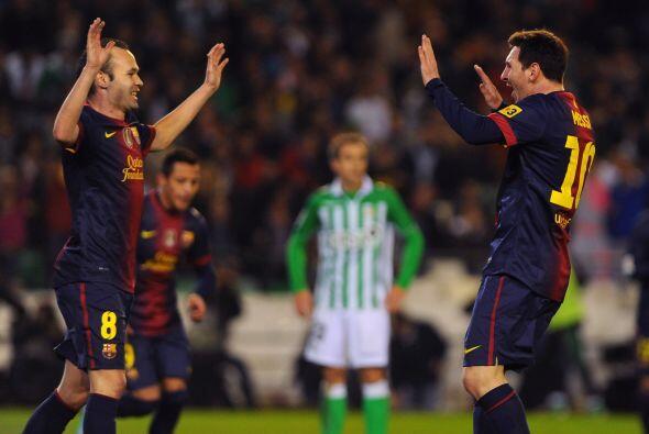 Andrés Iniesta le dio un pase magistral dentro del área para que el '10'...