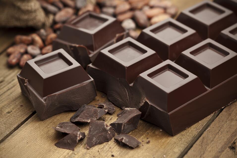 Comer chocolate es quizá uno de los placeres culposos más deliciosos, po...