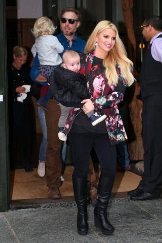 JEncontramos a la cantante con su esposo e hijos paseando por Nueva York...