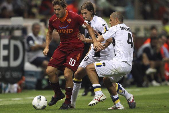 La Roma se metió al estadio del Parma con la urgencia de por fin...