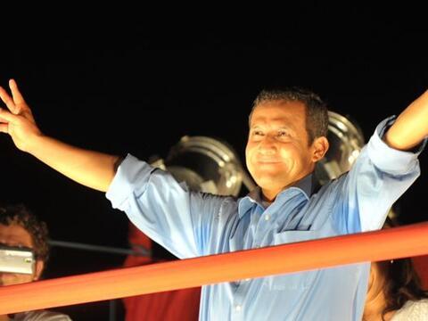 Los peruanos emitieron su voto en la elecciones del domingo donde los re...