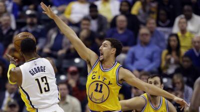 Curry anotó 29 y dió 10 asistencias.