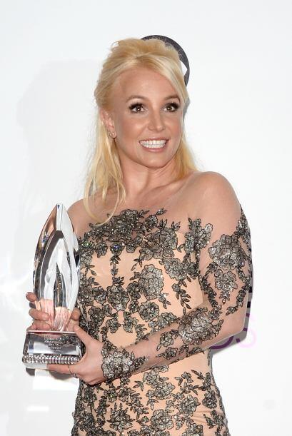 Britney Spears obtuvo el primer People's Choice en su carrera por Cantan...