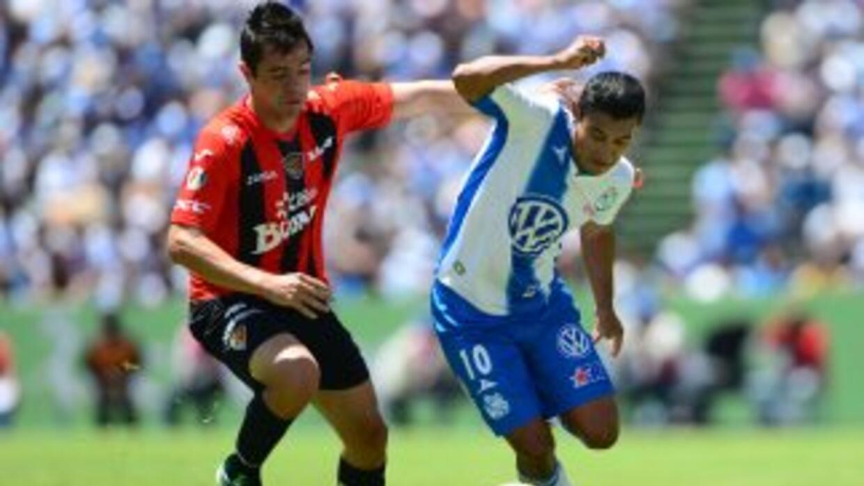Puebla enfrenta a Jaguares en el Cuauhtémoc.