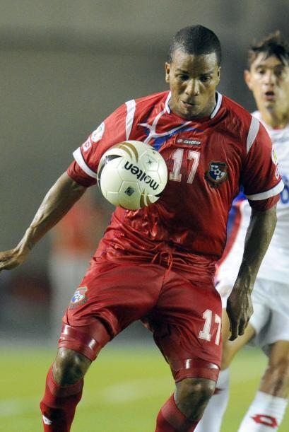 Luis Henriquez.- El lateral izquierdo juega en Polonia desde el 2007, es...