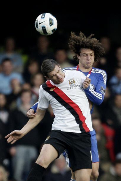 En un duelo importante ante Manchester City, Luiz neutralizó a los ataca...