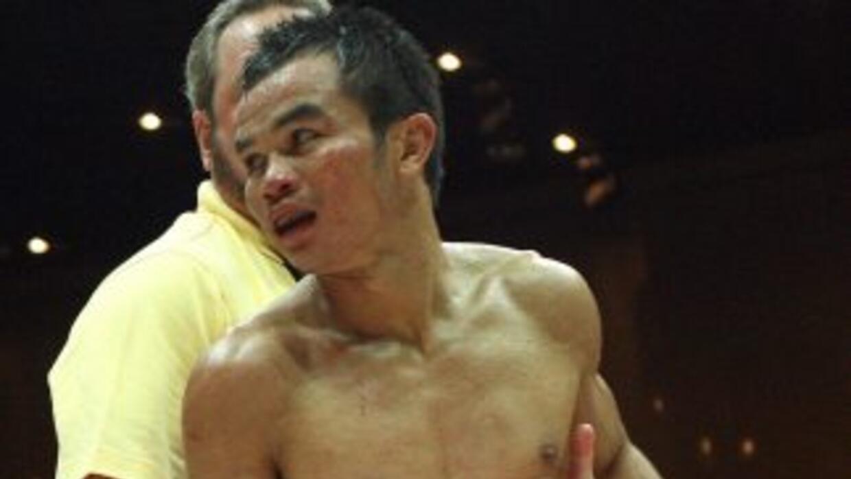 Pongsaklek Wonjongkam perdió sorpresivamente el cinturón mosca CMB.