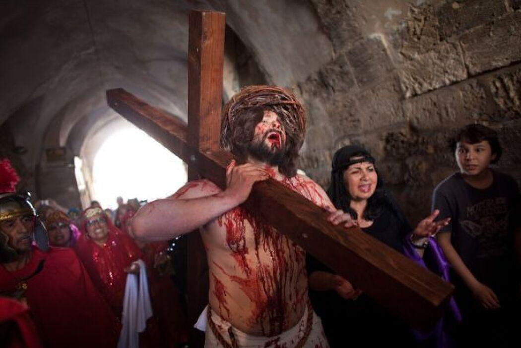 Segunda Estación: Jesús, traicionado por Judas, es arrestado.