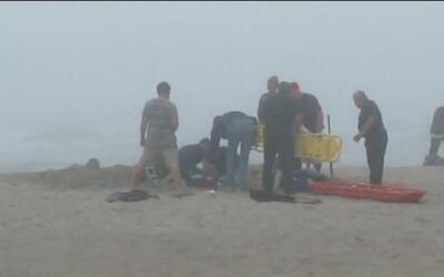 Niña de nueve años muere atrapada en la arena