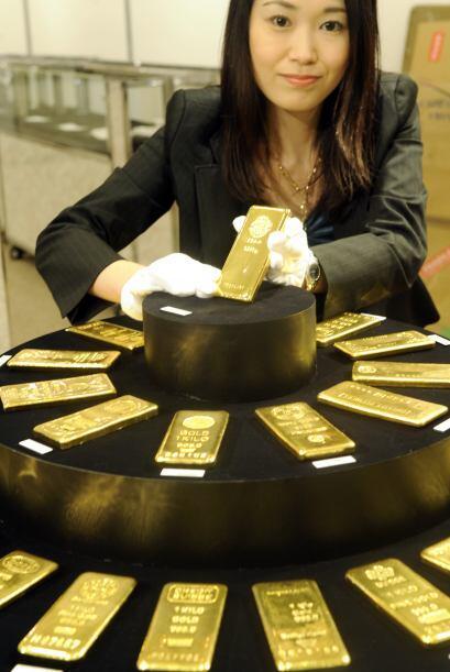 Si la cantidad de oro de Japón se sacara al mercado tendría un valor de...