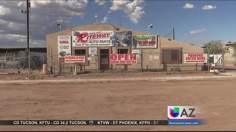 Investigan hallazgo de restos humanos en un negocio del sur de Phoenix
