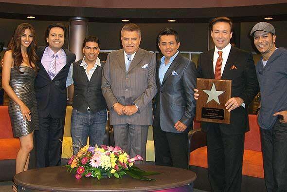 Don Francisco recibe a las voces más populares de la radio en Estados Un...