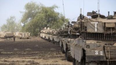 El ejército israelí confirmó oficialmente que empezó a retirar algunos s...